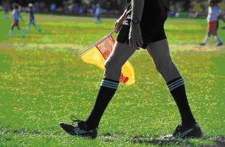 サッカー レフリーと品質判定